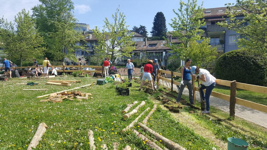 1er chantier participatif au Jardin des Liaudes